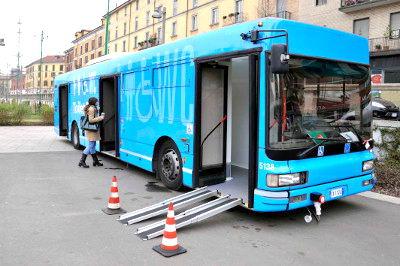 toilet-bus